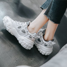 Load image into Gallery viewer, Women's Retro Comfortable Sneaker Shoes - Abershoes