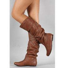 Load image into Gallery viewer, Pleat Style Plus Size Flat Boots - Abershoes