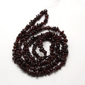 "32"" Strand Of Natural Garnet Beads,  4-6mm Chip Beads"