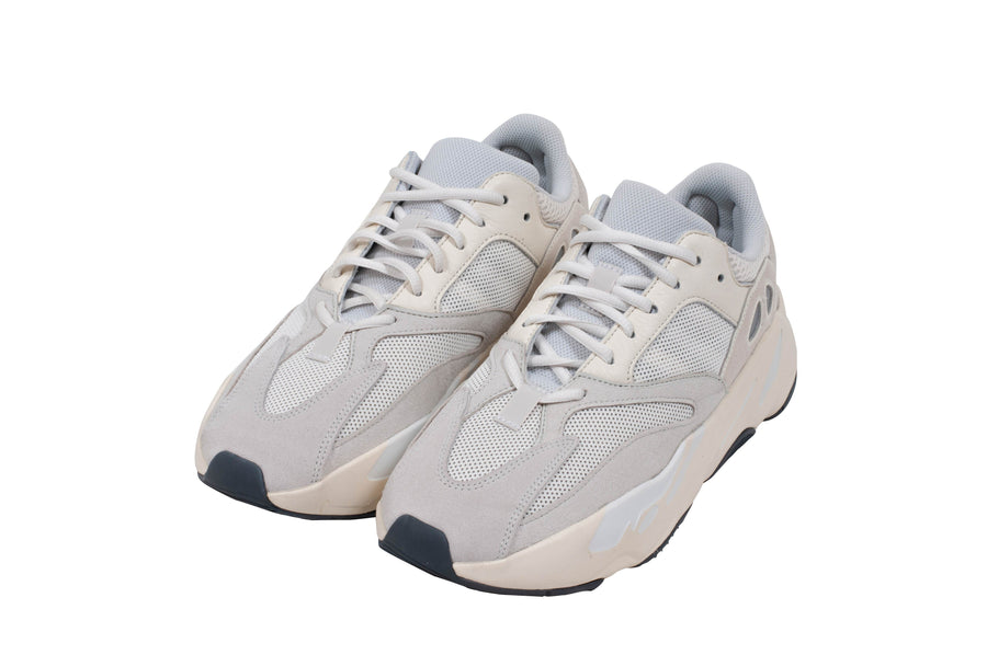 Yeezy Boost 700 Analog ADIDAS