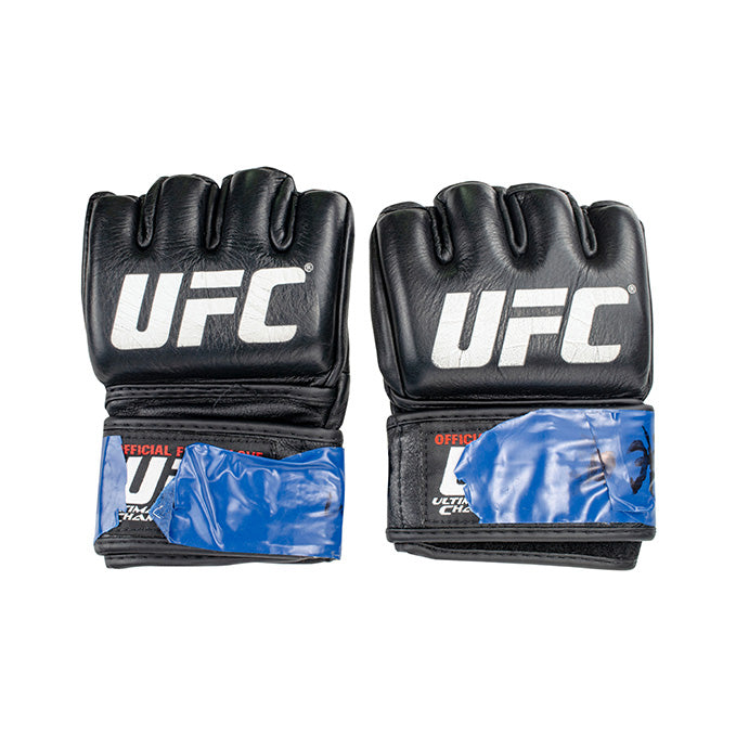 Bryan Caraway UFC's The Ulimate Fighter 28 Finale Event Worn Gloves Las Vegas Nevada
