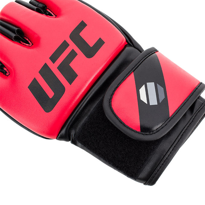 UFC 5 oz MMA Red Gloves