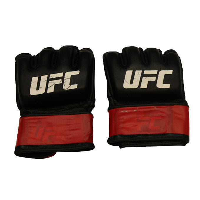 Chas Skelly Autographed Fight Worn Gloves from Fight Night 104 - Houston