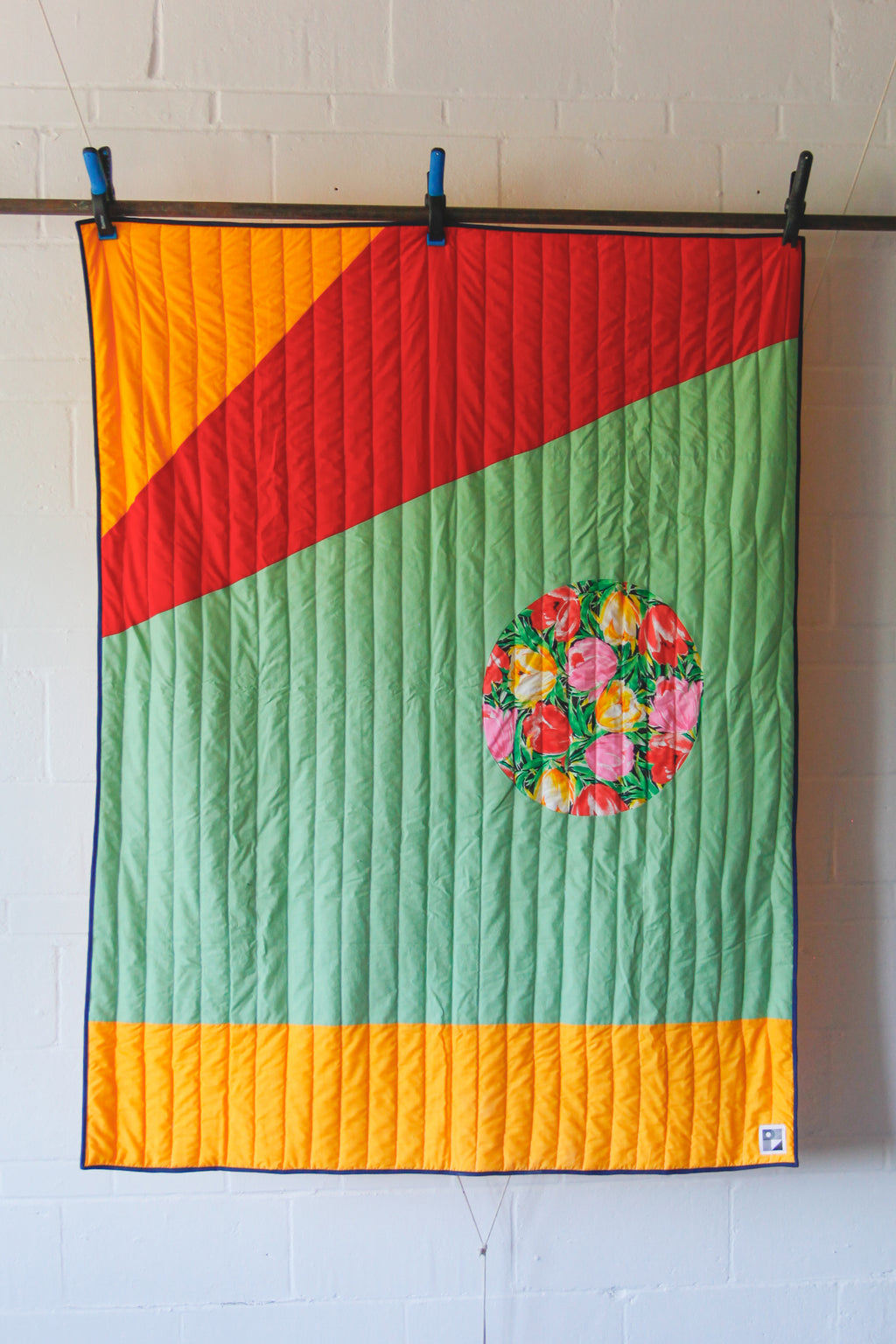 "No. 82 - Throw size quilt - ""Un soir en camping"" model"
