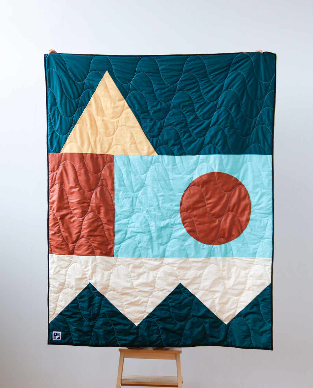 "No. 197 - Throw size quilt - ""C'est Noël"" model"