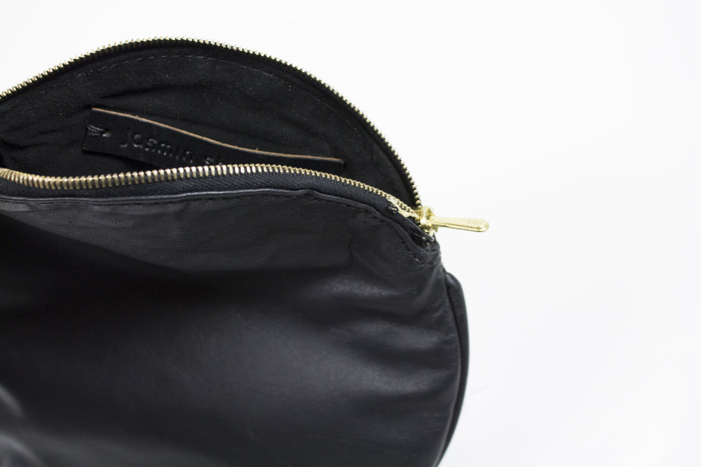 Jasmin Shokrian: Black Circle Clutch