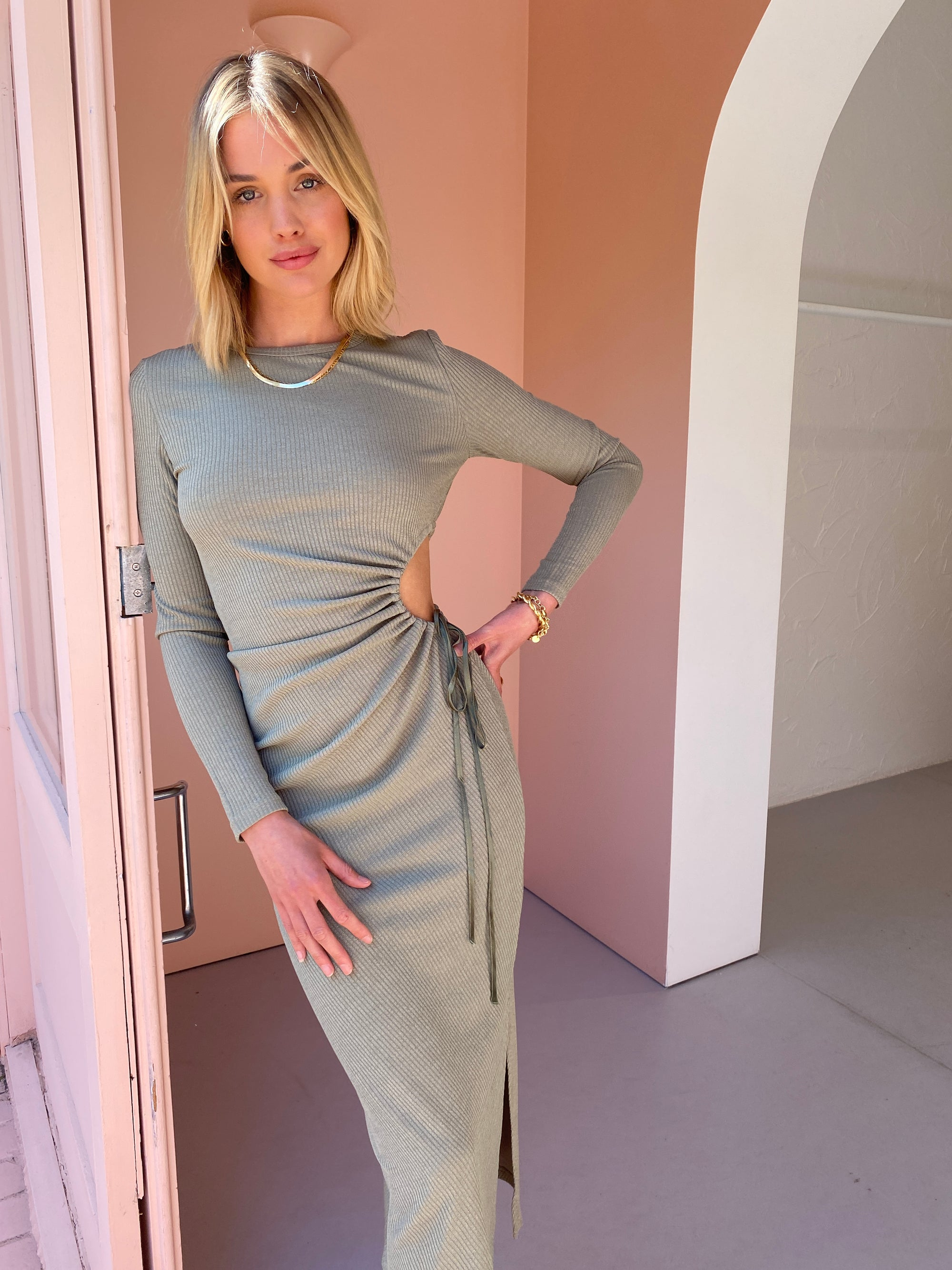 Issy Magnolia Dress in Moss