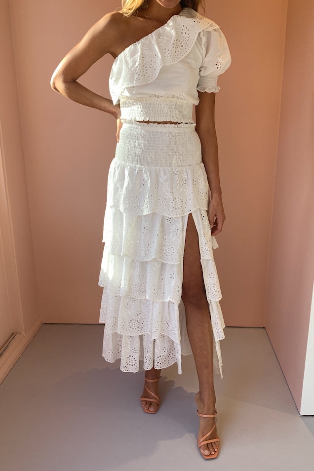 Issy Portrait Skirt in White Eyelet