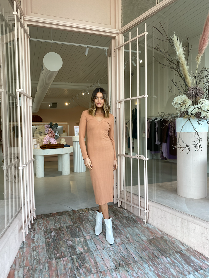 By Nicola Eva L/S Midi Dress in Cinnamon