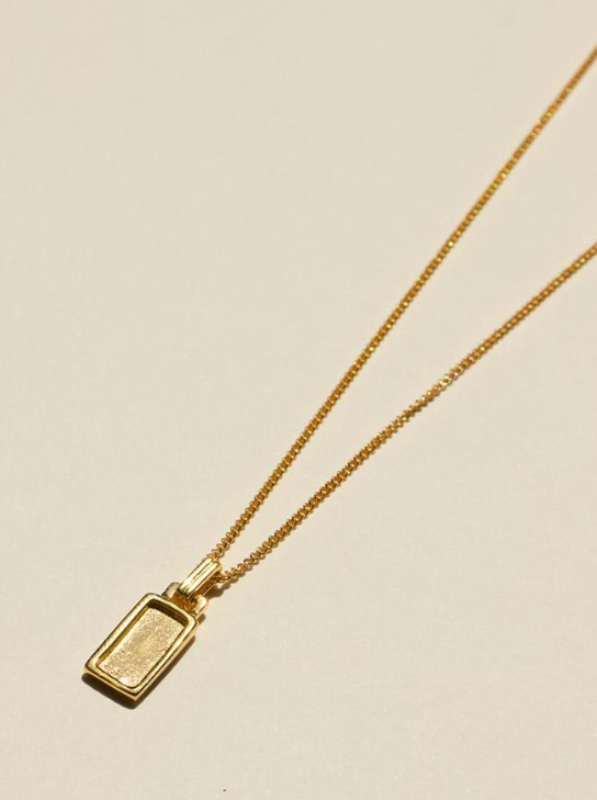 Brie Leon Rectangle Pendant in Gold
