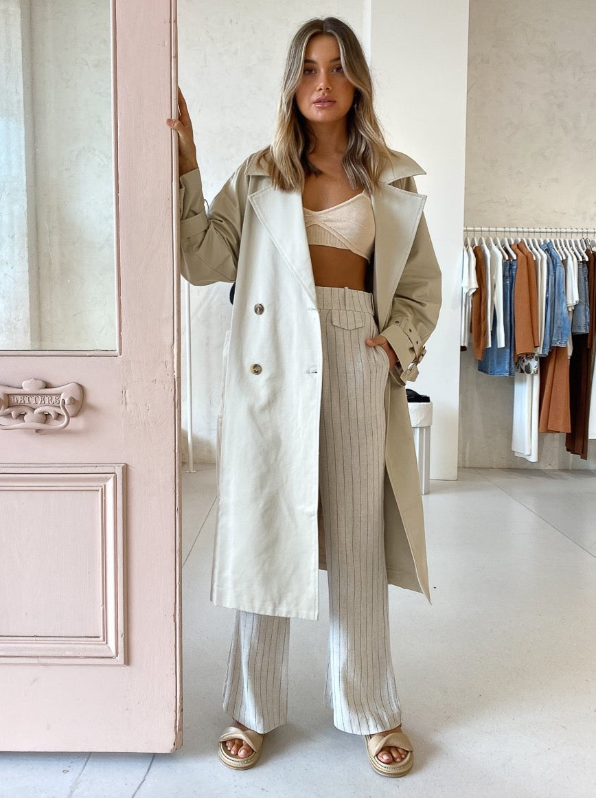 Third Form Trench Coat in Oat