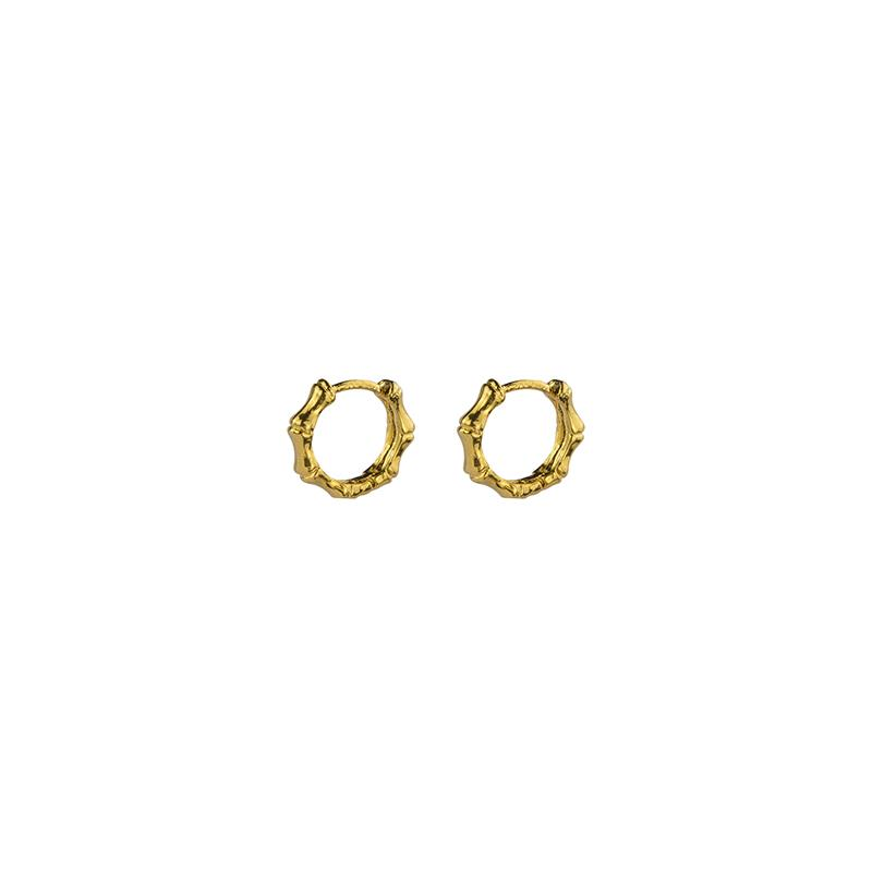 Brie Leon Mini Bambú Sleeper Earrings in Gold