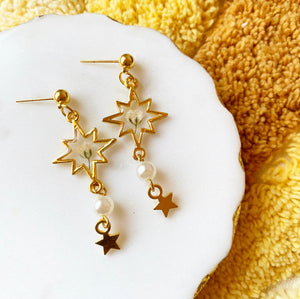 Shooting Star Earrings with Gypsophila and Faux Pearl