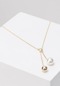 EXCLAiM Long Ball and Pearl Necklace Gold