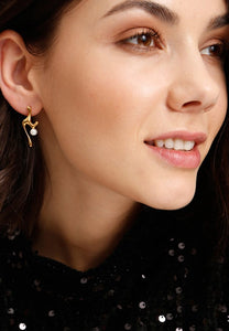 EXCLAiM Irregular Pearl Earrings - EXCLAiM