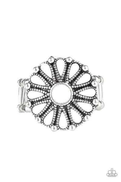 Paparazzi Poppy Pop-tastic - White Ring - Princess Glam Shop