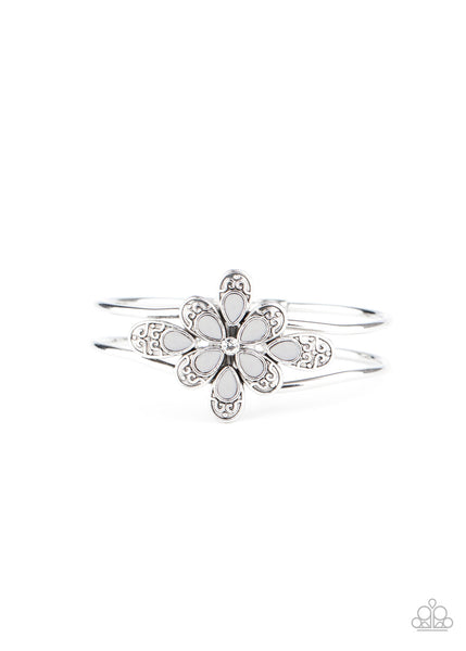Paparazzi Go With The FLORALS - Silver Bracelet - Princess Glam Shop