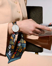 Load image into Gallery viewer, Watch - silk scarf band - EN