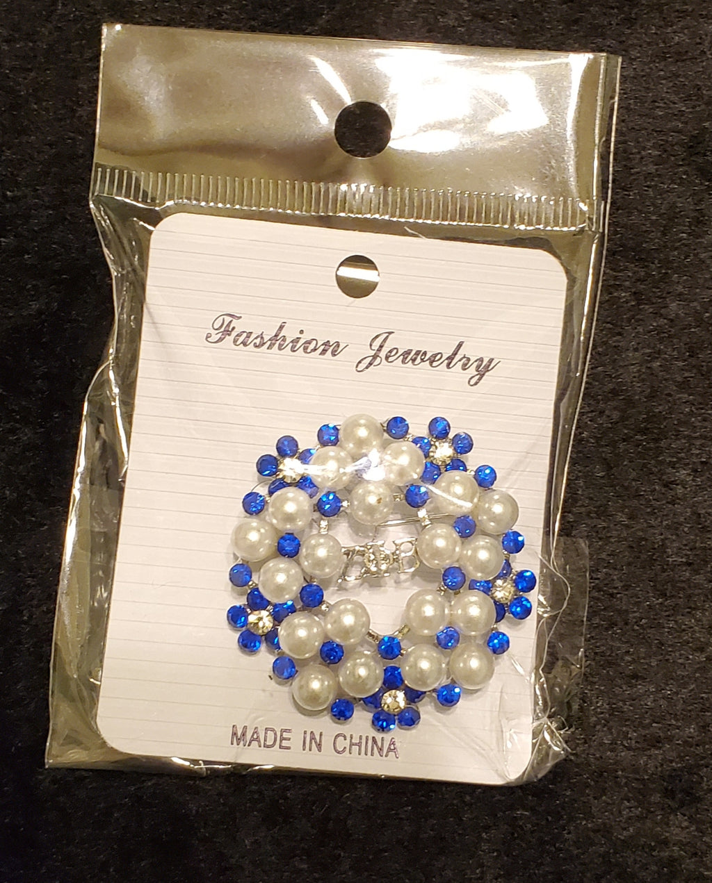 Zeta  Pearls and Blue Rhinestone Pin