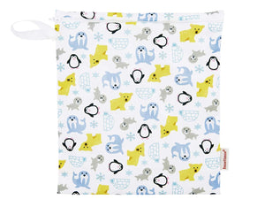 Imse Vimse Reusable Washable Wet Bags for Cloth Diapers (Snowland, Medium Zipper Bag)