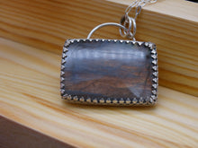 Load image into Gallery viewer, Labradorite and Silver necklace
