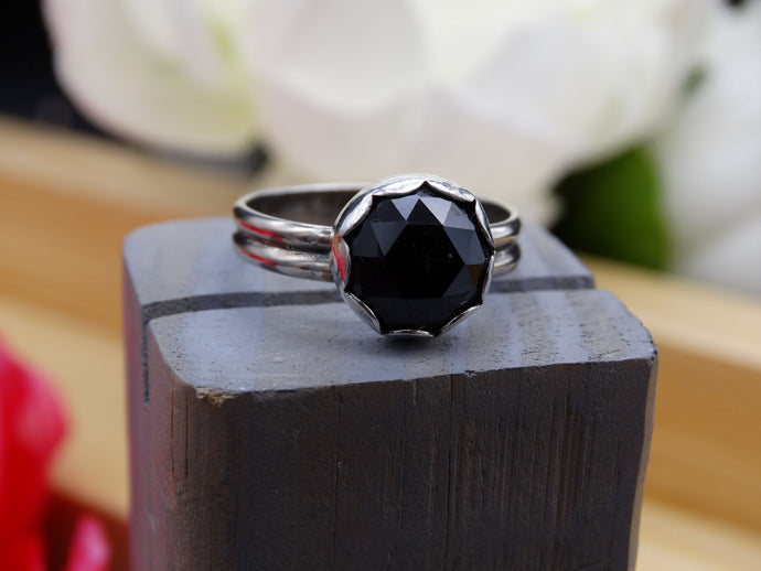 Black Spinel and silver ring size 9 3/4