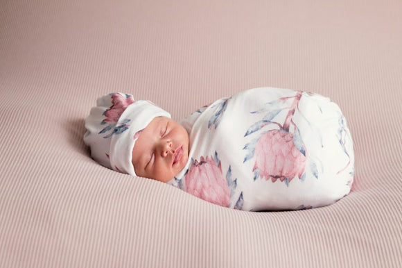 'Protea' Swaddle Blanket and Newborn Top Knot Beanie Set
