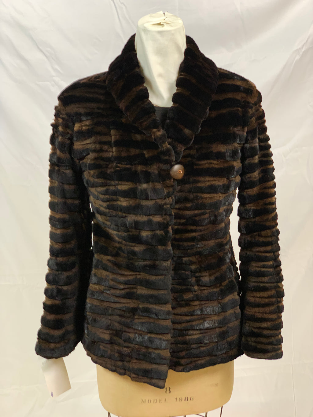 "26"" Brown sheared mink laser grooved fit jacket with shawl collar and straight sleeves [DL-100-BROWN-8]"