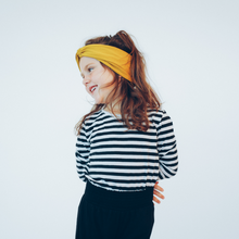Laden Sie das Bild in den Galerie-Viewer, Tiny Twist Headband mustard