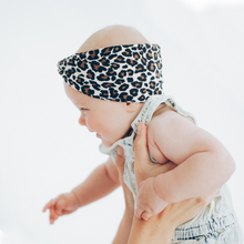 Laden Sie das Bild in den Galerie-Viewer, Tiny Twist Headband leo