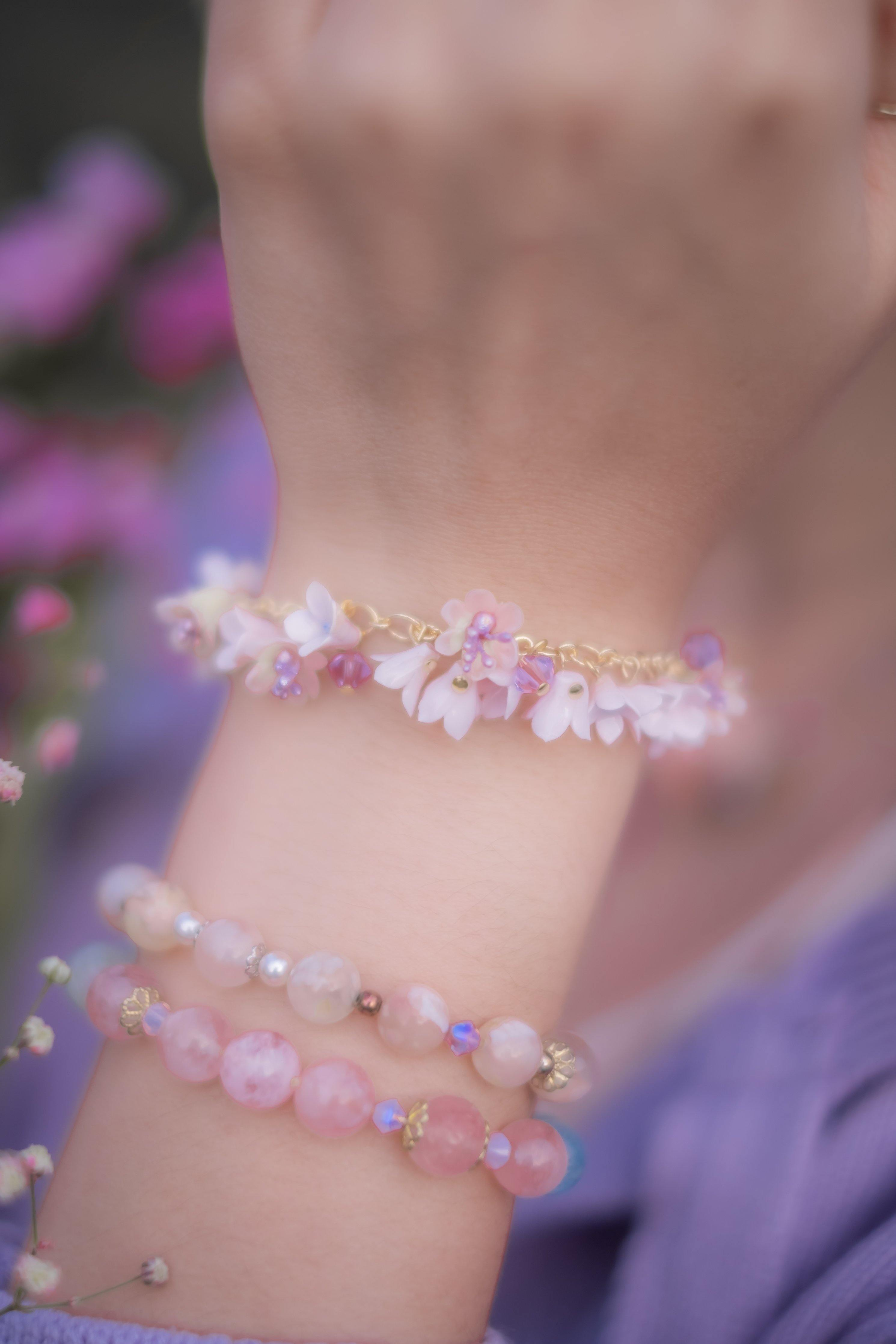 "➀➀ ""River of Petals"" Floral Charm Bracelet (6 Designs)"