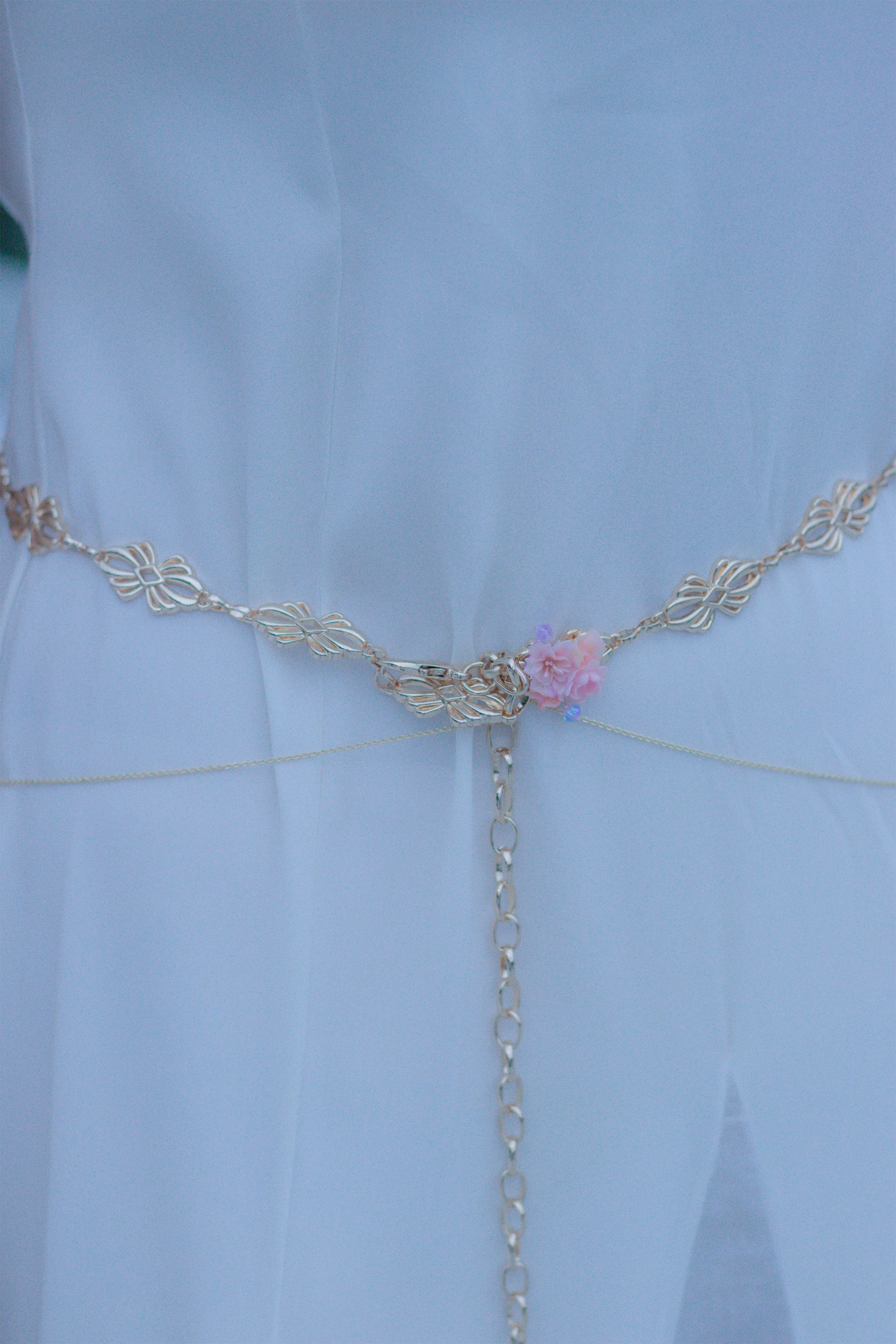 Solictude Eustoma & Coral Gold-plated Floral Waist chain