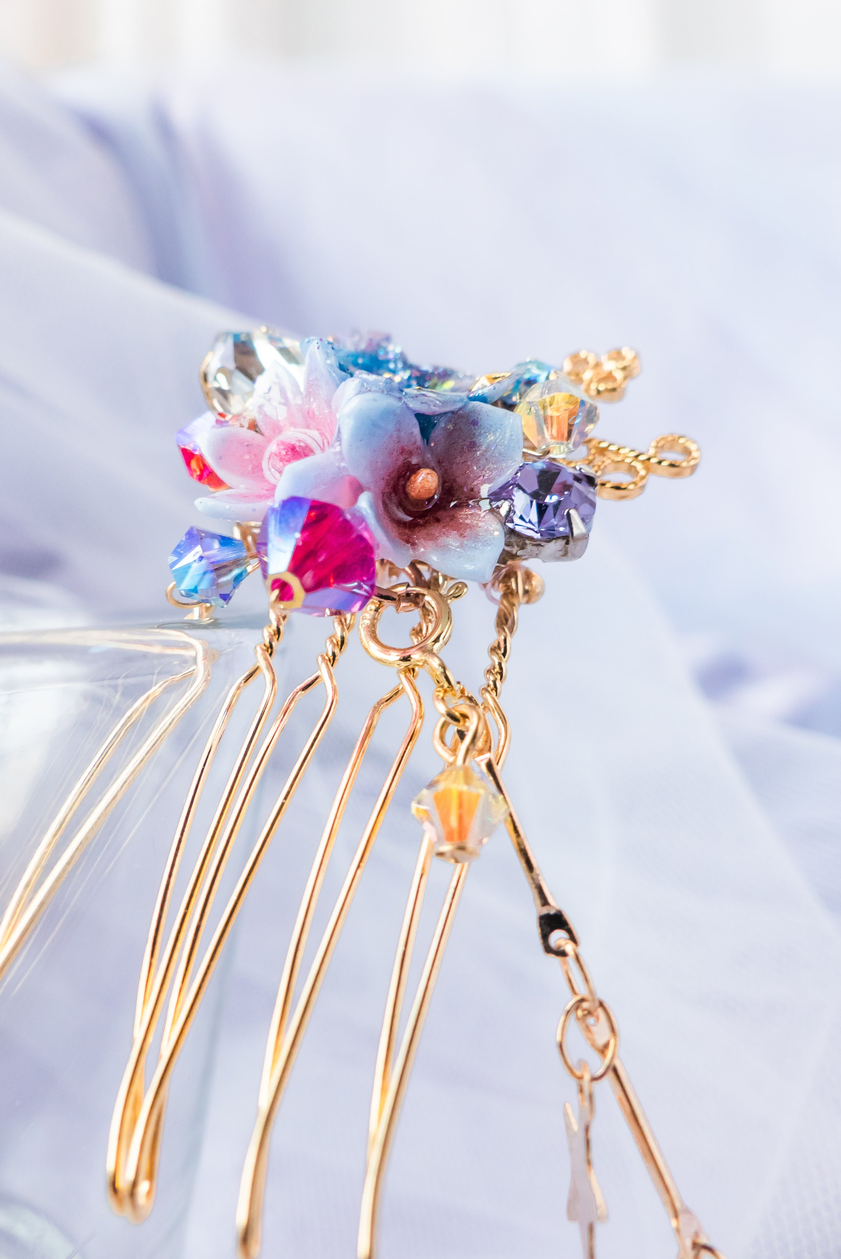 Mid Night Trod Mini Hair Comb with Detachable Chain