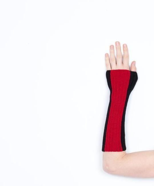 Arm Warmer Baby Alpaca | Block | Black and Red