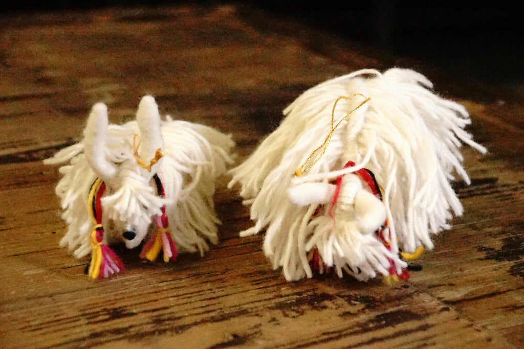 Ornaments Yaks A Couple  2
