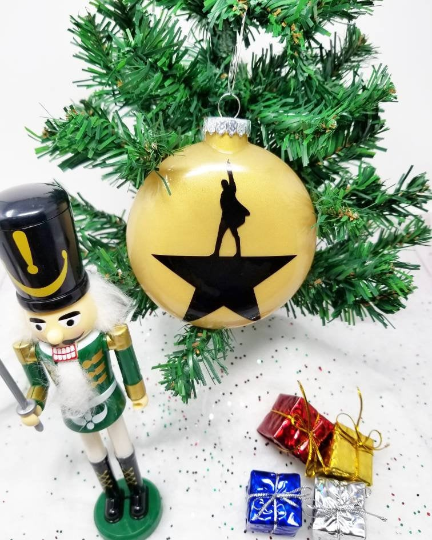 Hamilton Ornament with color