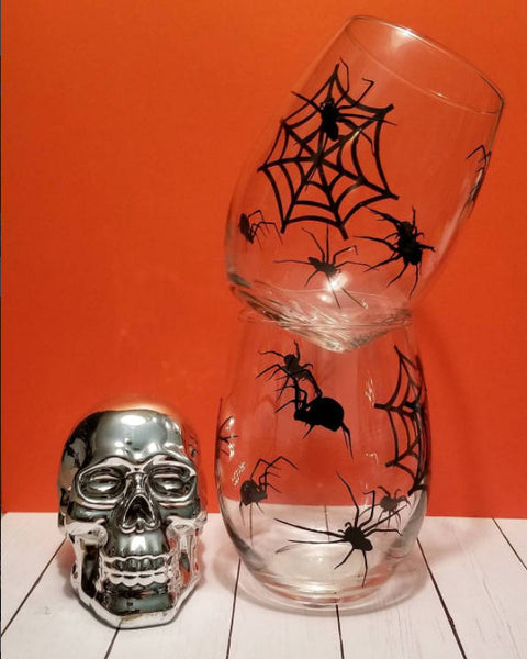 Spider Infested wine glasses / Halloween Spider/ - CCCreationz