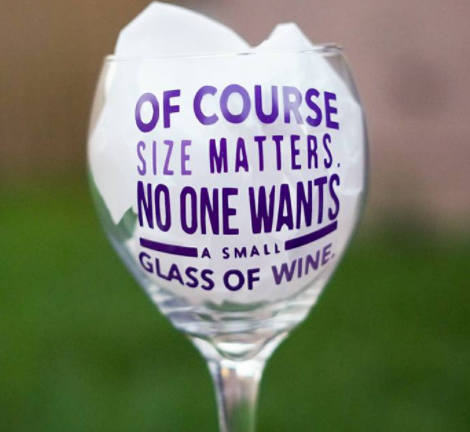 Funny Wine Glass, Gift for her, Size matters, Gag Gift, Funny Gift, Bride Gift, Bachelorette gift - CCCreationz