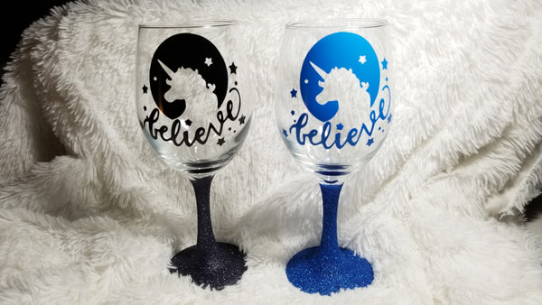 Glitter Wine Glass, Unicorn wine glass, personalized wine glass, Gift for her, Magical Creatures - CCCreationz
