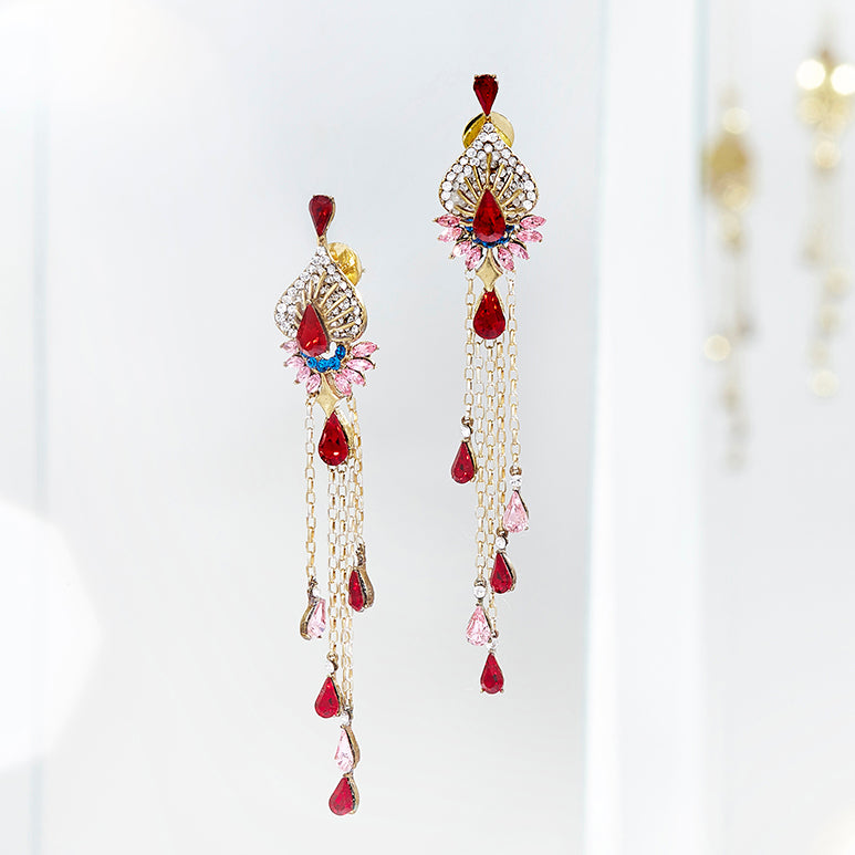 Lady Rouge Long Earrings