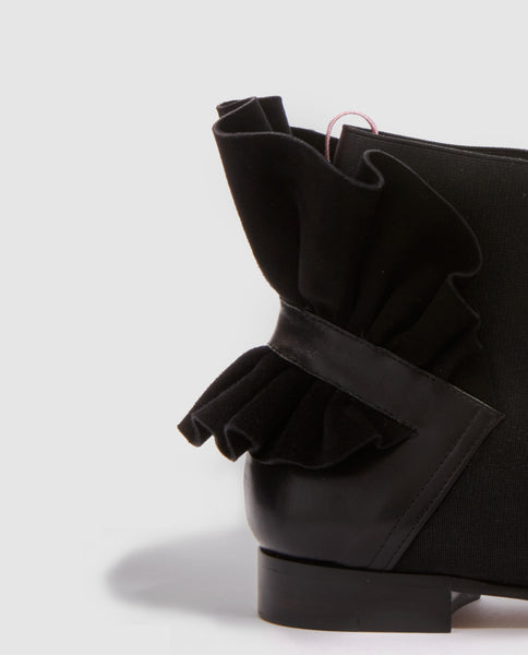 FRILLS FOR ALL BOOTIE FLAT