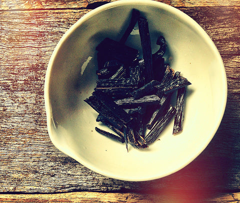 vanila body oil recipe. Chopped vanilla beans