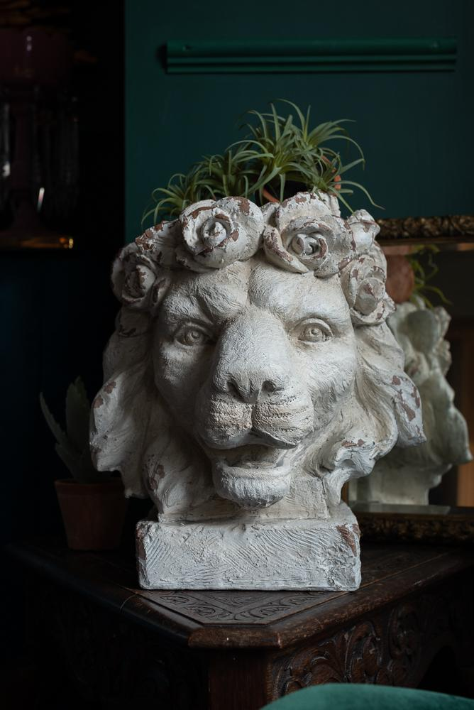 Large Rustic Stone Effect Lion Head Planter VaseVintage FrogBrand New