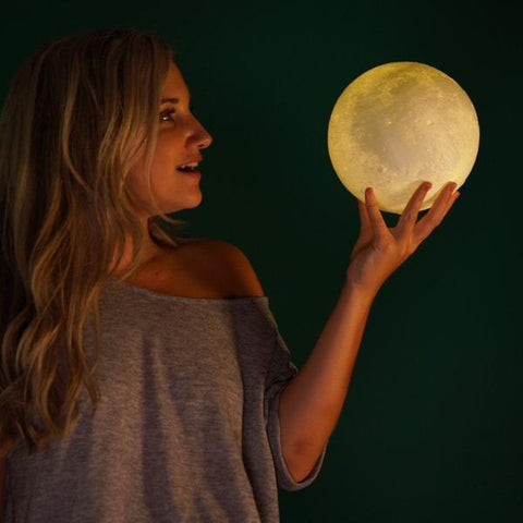 You've only ever dreamed of touching the moon… Now indulge yourself in the soothing glow of our photorealistic moonlight. The LED light adjusts from soft white to yellow, creating the perfect ambiance for a relaxing night or a romantic date. Bringing you mystery and romance, this night light is just what you need for an out of this world lighting experience.