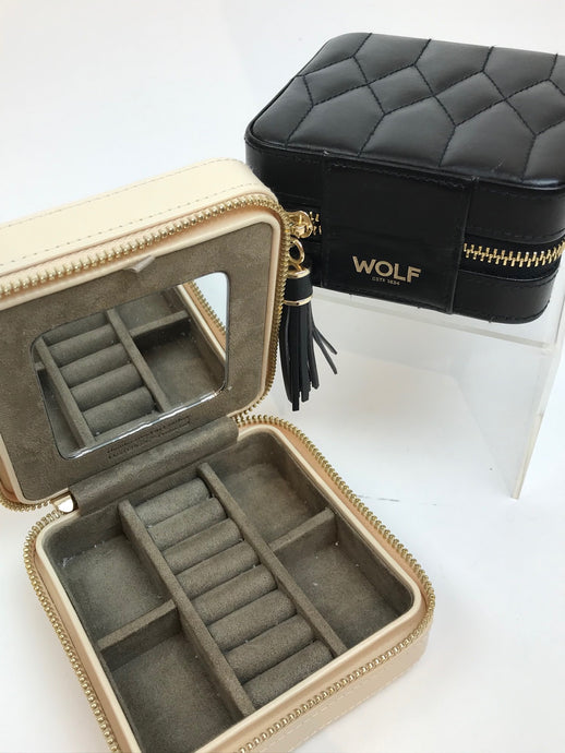 Wolf Leather Travel case