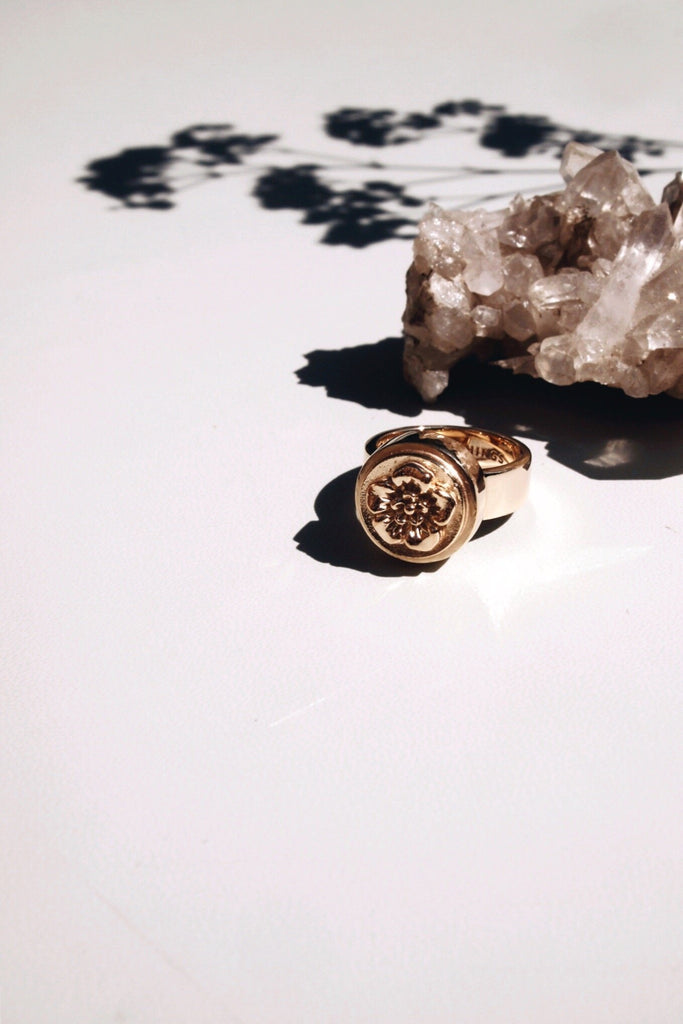 FLOWER PINKY RING GOLD - Rings - Wildthings Collectables