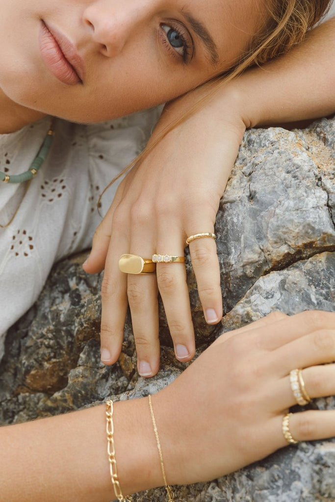 VINTAGE MOONSTONE RING GOLD - Rings - Wildthings Collectables