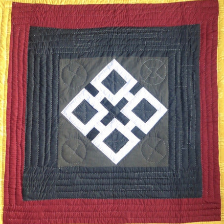 Fancy Quilt- Endless Knot