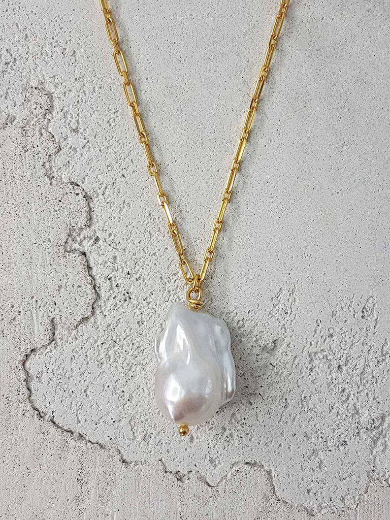 BAROQUE PEARL NECKLACE 18k GOLD