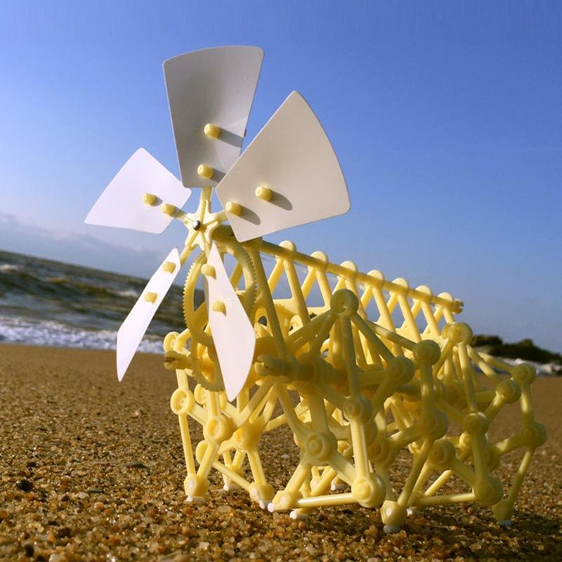 GIFT FOR CREATIVITY-WIND BIONIC ROBOT